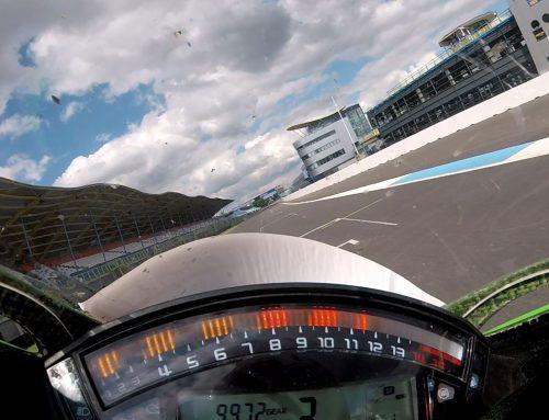 Rondje over het TT-Circuit meerijden op de Kawasaki Ninja ZX-10R